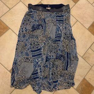 NWOT! Roz & Ali blue pattern skirt